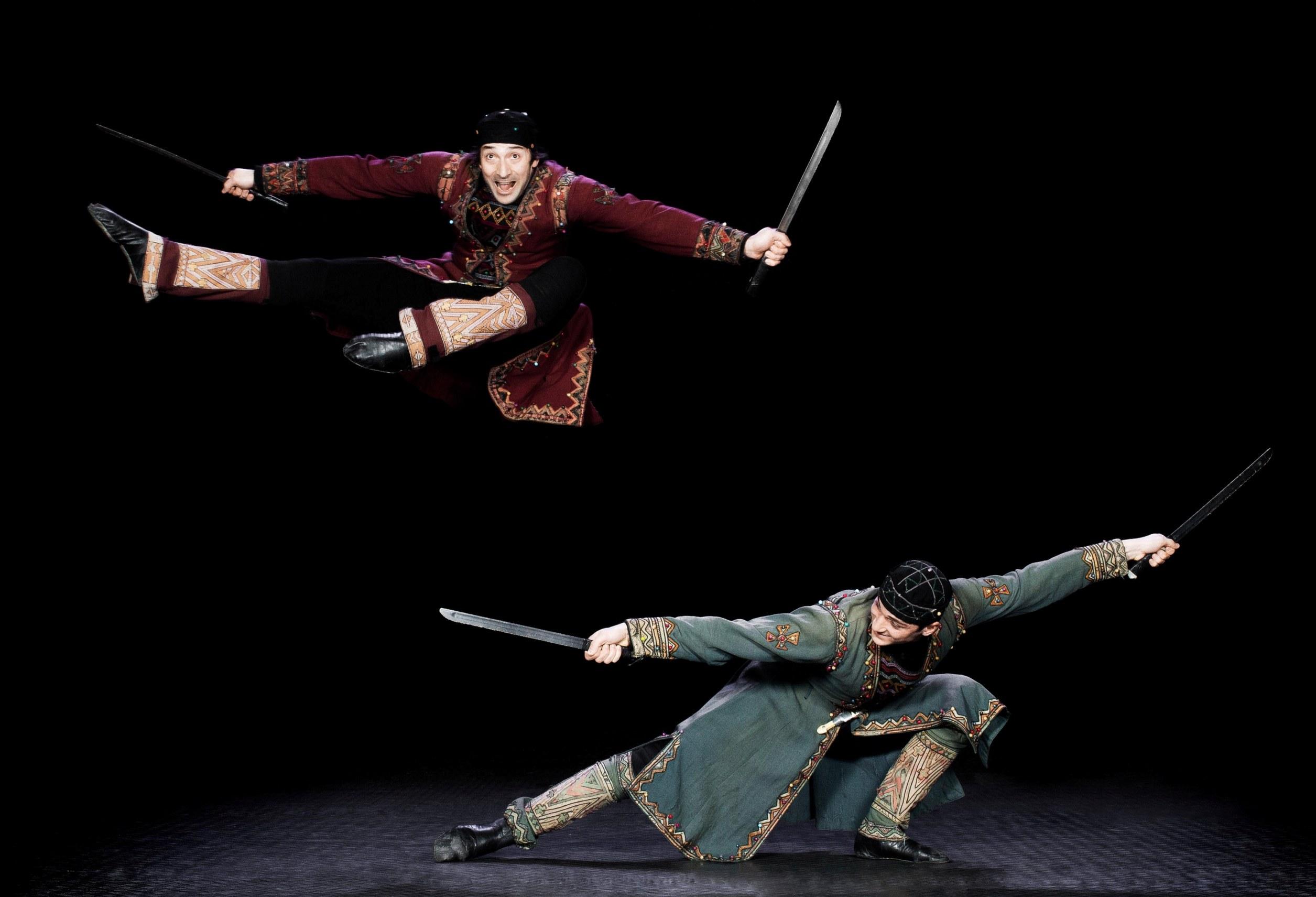 картинки для номера танец с саблями одомашнить серьезных