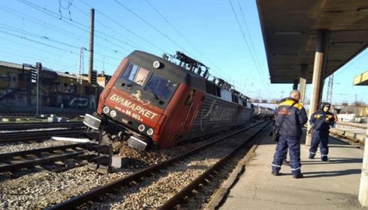 Няма изтичане на газ от дерайлиралия влак