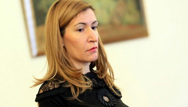 Ангелкова привиква спешно туроператорите