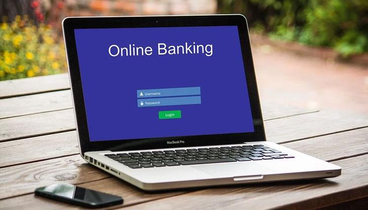 Осем съвета на БНБ за защита на правата ви при онлайн банкиране