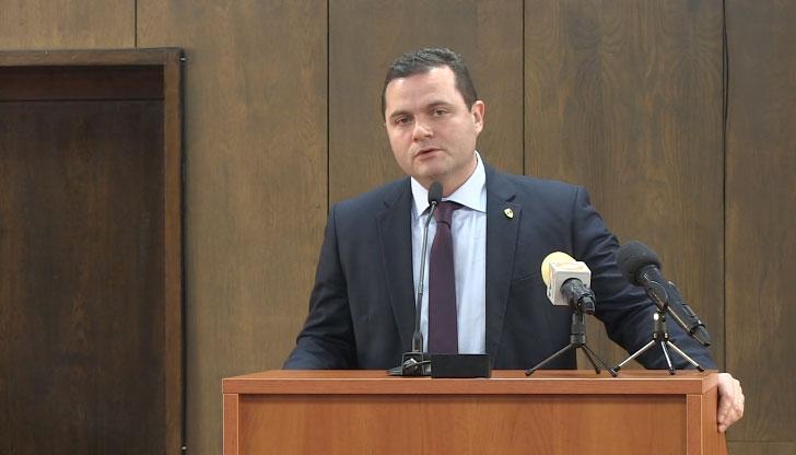 Пенчо Милков отказа заплата от 3000 лева