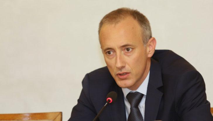 Красимир Вълчев: Пълни заплати за учителите, ако имат 25 часа седмично