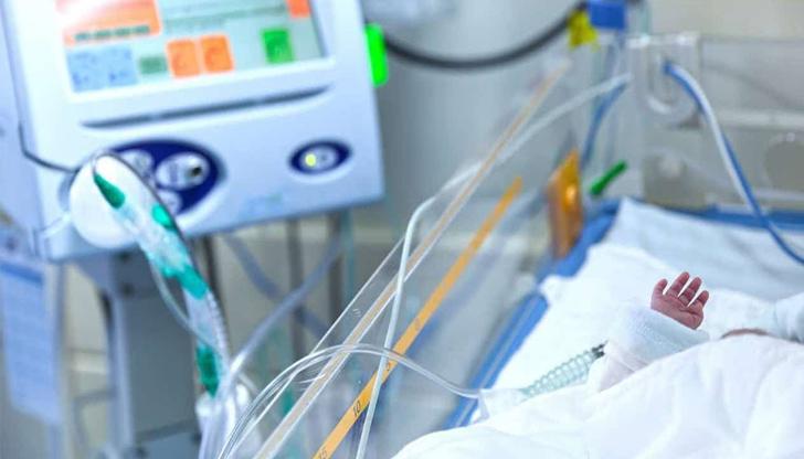 Хирурзи в Италия спасиха бебе, родено със сърце извън тялото