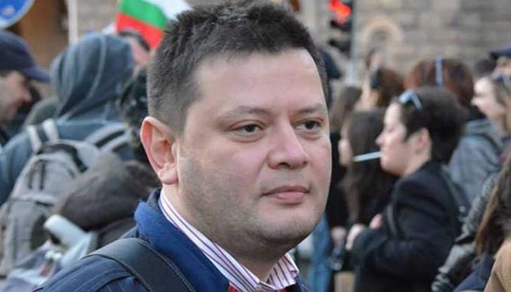 Журналистът Николай Стайков е бил арестуван тази нощ