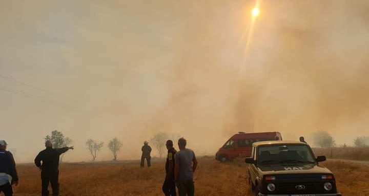 Военните на помощ за потушаването на пожарите в Хасковско