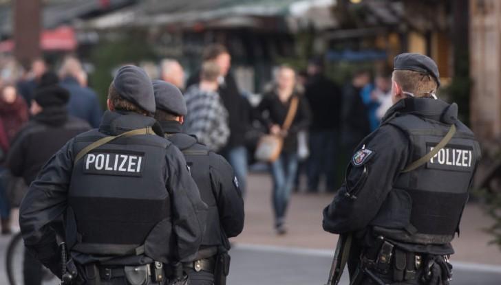 Измамници опитаха да глобят минувачи за неспазване на карантината в Берлин