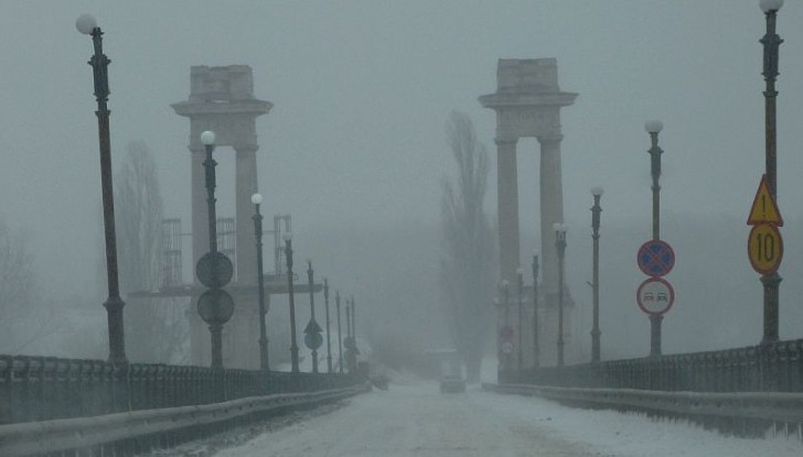 """""""Зелен коридор"""" за камионите с кислород от Румъния през """"Дунав мост"""""""