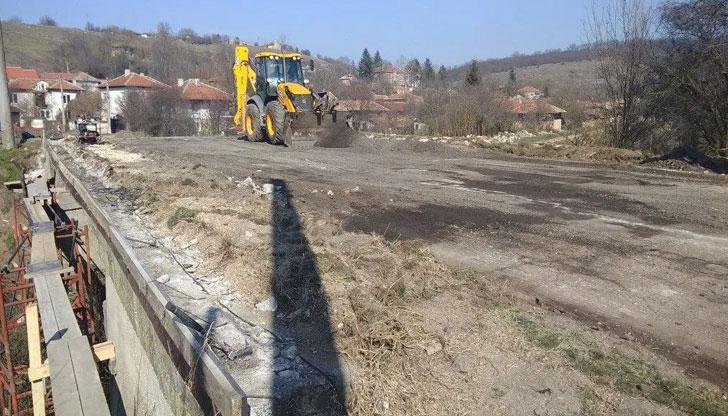 Започна ремонтът на пътя Дряновец - Сеново