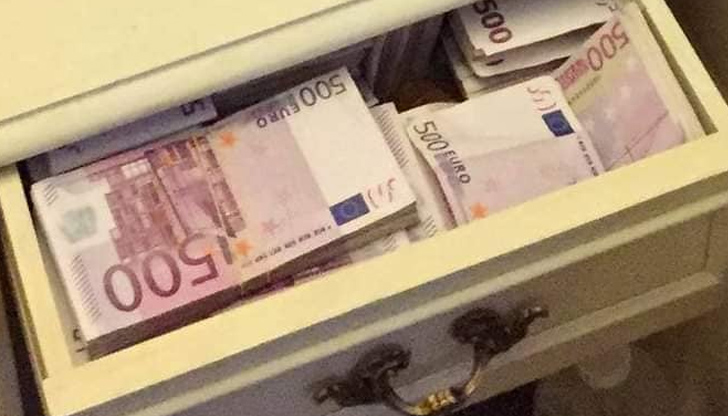 Осъдиха Саркози за сейф с пари. У нас още няма нищо за чекмеджето на Борисов
