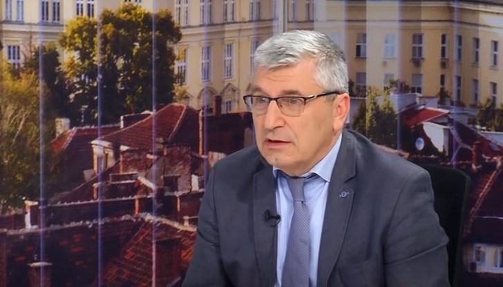 Илиян Василев: ББ се опитва през ДАНС да удари Слави Трифонов!