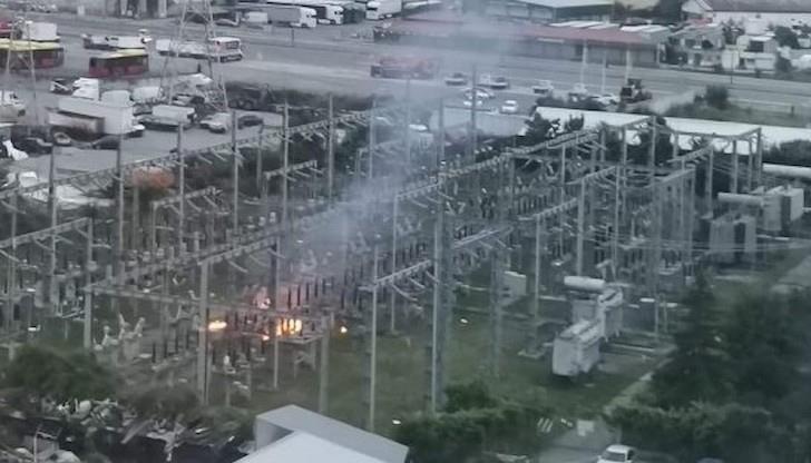 Пожар остави хиляди домакинства без ток в София