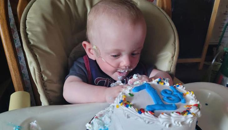 Най-преждевременно роденото бебе в света отпразнува първия си рожден ден