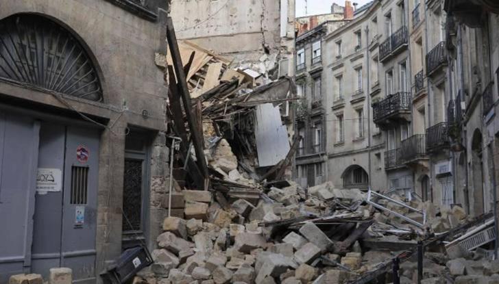 Две сгради се срутиха във френския град Бордо