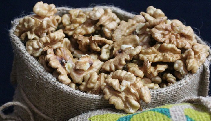 Отслабнете с пресни орехи