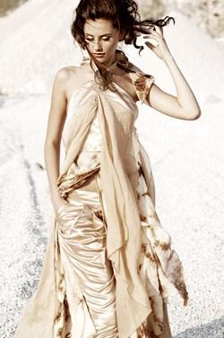 47877a50495 Еко дрехите, създадени от Евгени, правят фурор и в Лондон